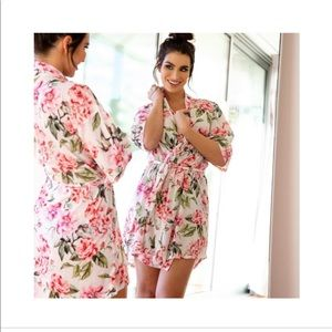 Show me you Mumu Brie robe Garden of Blooms